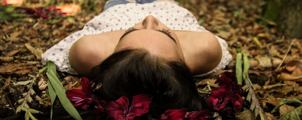 HOW SEASONAL CHANGES AND THE WEATHER CAN AFFECT YOUR SKIN